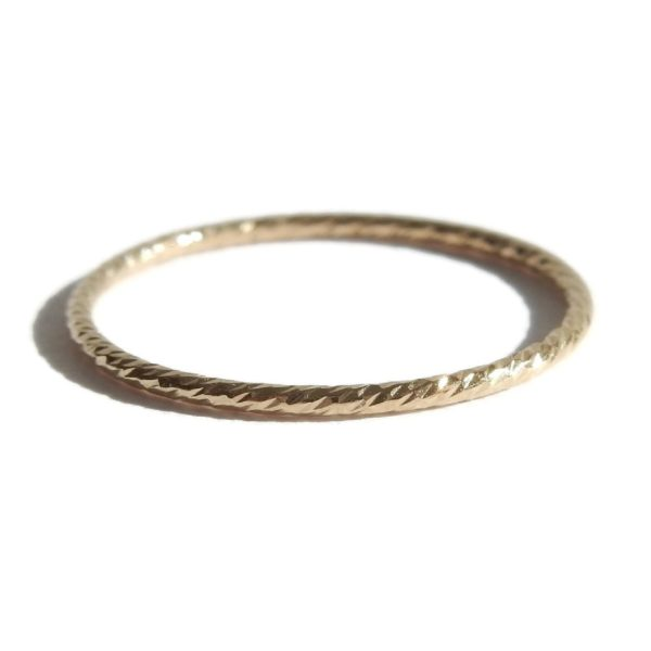 Gnoes   Gedraaide ring gold filled